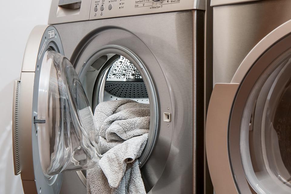 Entretenir sa machine à laver pour éviter les pannes
